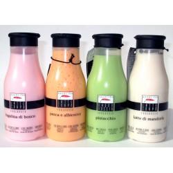 AQUOLINA Latte Corpo idratante 250ml al Fragolina di bosco, Pesca e Albicocca, Pistacchio, Latte di mandorla