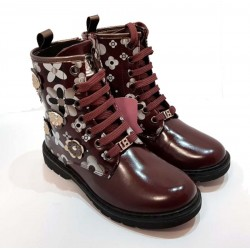 Woman's Laura Biagiotti Burgundy winter boot with rubber sole
