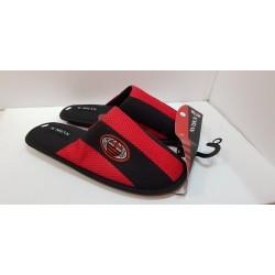 Ciabatte uomo della squadra del Milan nero e rosso , con suola in gomma e antiscivolo , e dentro in cotone